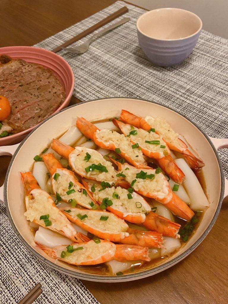 蒜蓉腸粉無水蒸蝦-Waterless-Steamed-Prawns-with-Garlic-and-Rice-Noodle-Rolls