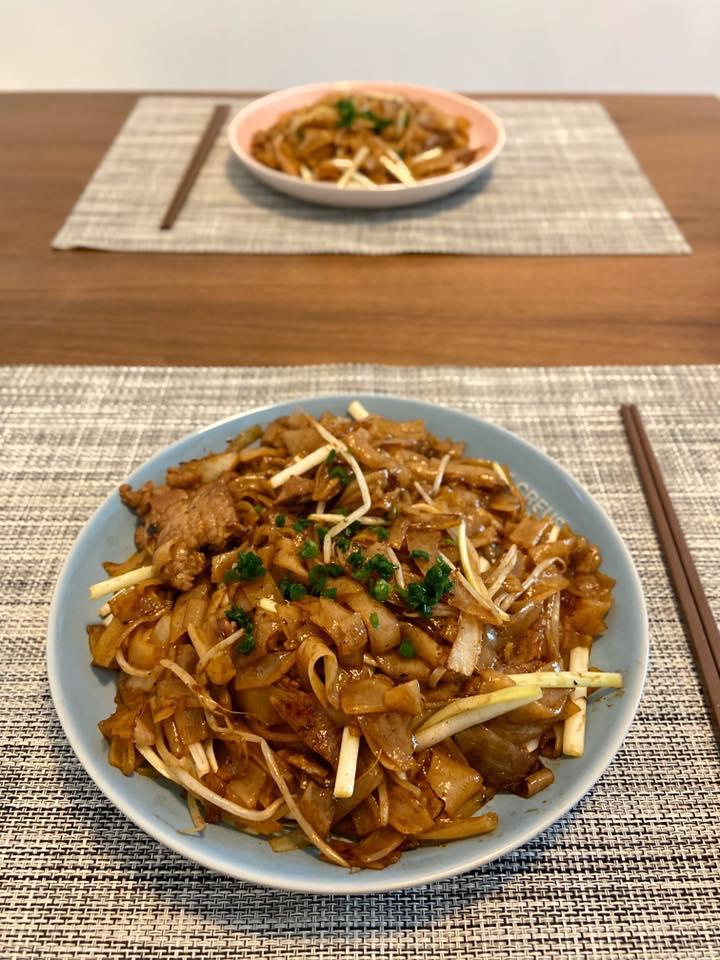 乾炒牛河 Stirred Fried Rice Noodles with Beef