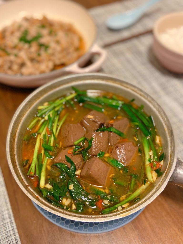 韮菜豬紅 Pig Blood Curd with Chinese Chives